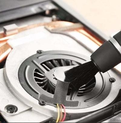 Замена термопасты, очистка от пыли элементов внутренней части корпуса, смазка активной системы охлаждения.
